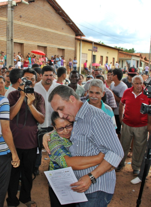 Foto 4 Em Timbiras, população receonhce a importância da pavimentação para o município